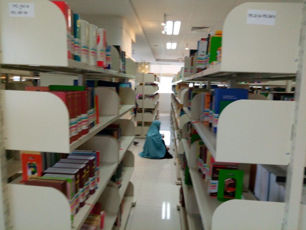 ruang rak buku_1